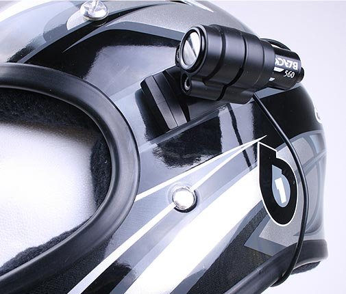 Sixsixone Helm mit Blackeye One Action Kamera von vorne